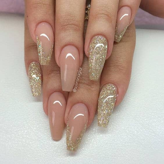 Gold Dust Woman Glitter Manicure
