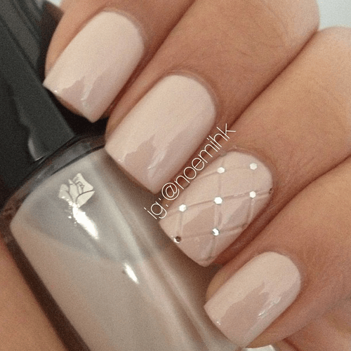 Beige Short Nail Design-acrylic-nail-art-vvpretty