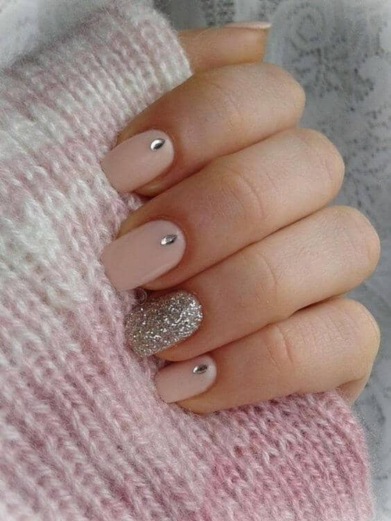 Teardrop and Glitter Short Nails-vvpretty