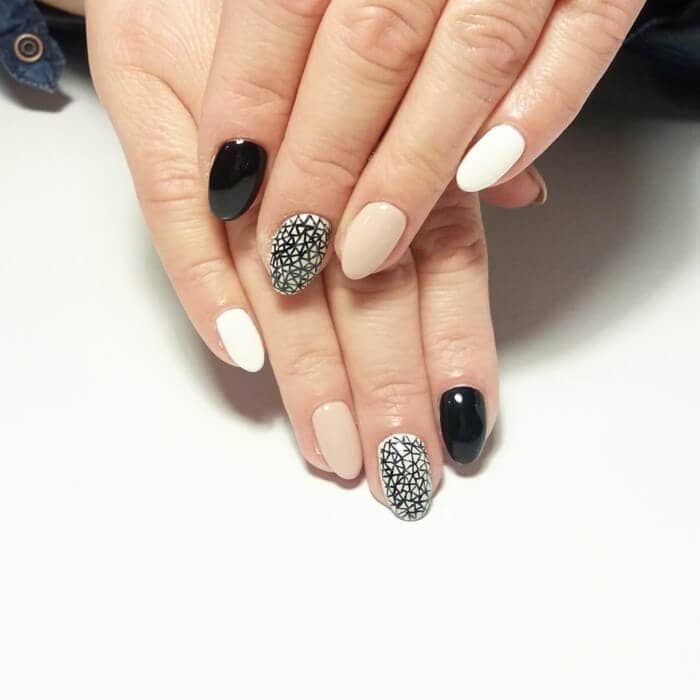 Natural Take on Mandalas Perfect for Office nail-vvpretty
