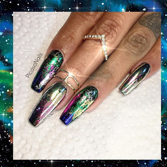 Metallic Nails with 3D Look vvpretty