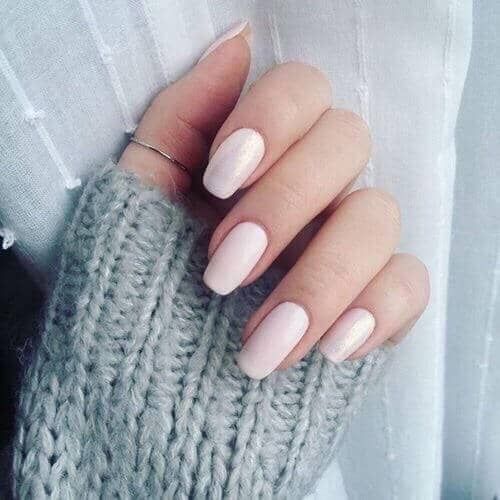 Creamy Standard Length Design-acrylic-nail-color-idea-vvpretty
