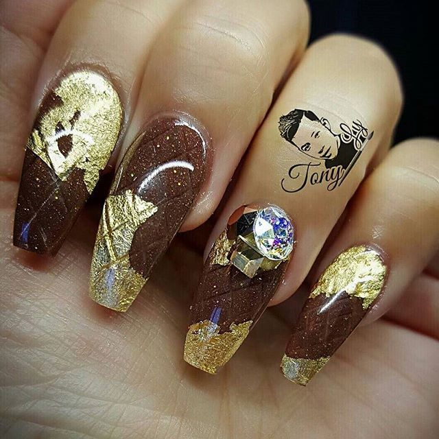 Chocolate Foil nail Shape along with Rhinestones vvpretty