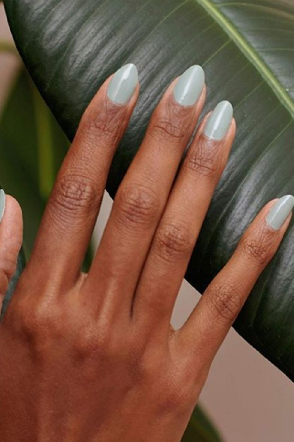 Astute Almond Shaped Nails-vvpretty